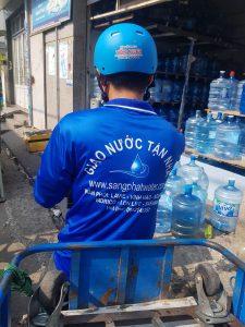 Dịch vụ giao nước tận nơi tại quận Tân Bình